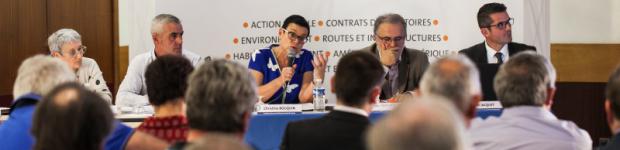 Christine Bouquin propose un P@C complet aux élus des Deux v...